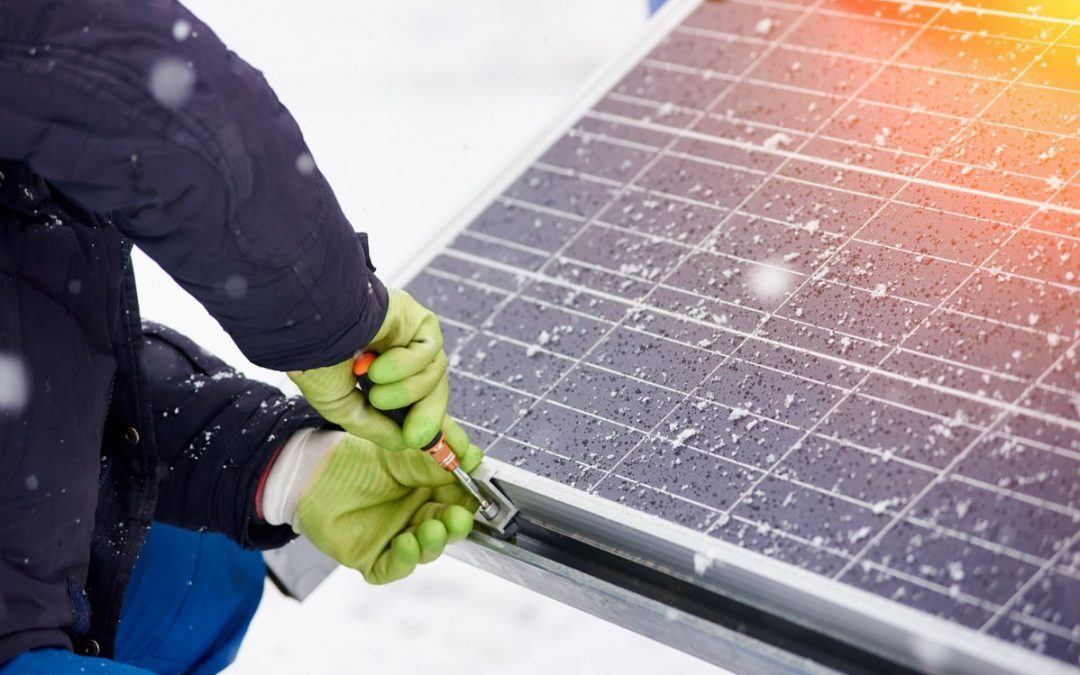 4 Reasons to Install Solar Panels This Winter