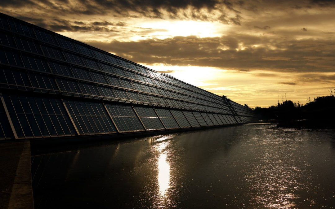 Do Solar Panels Work At Night And On Cloudy Or On Rainy Days?